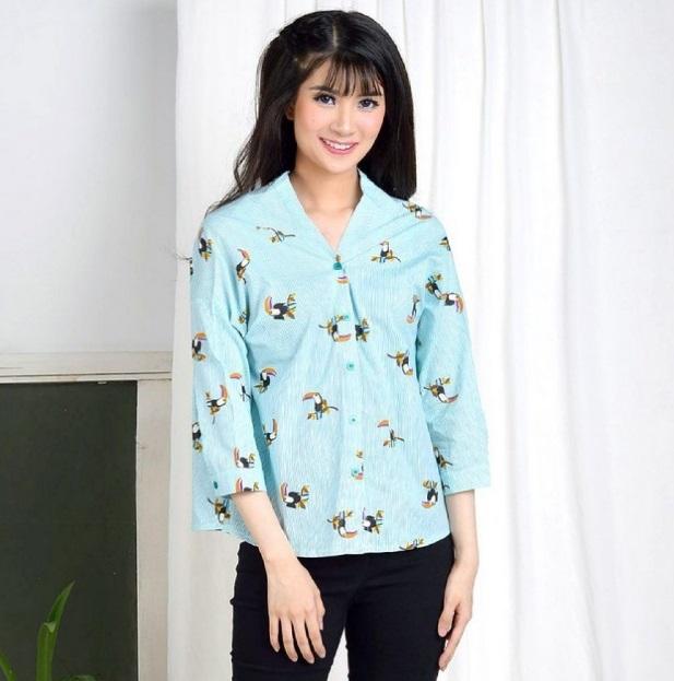 Baju atasan motif bunga