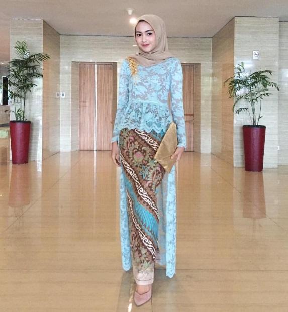 Desain Model Kebaya Hijab