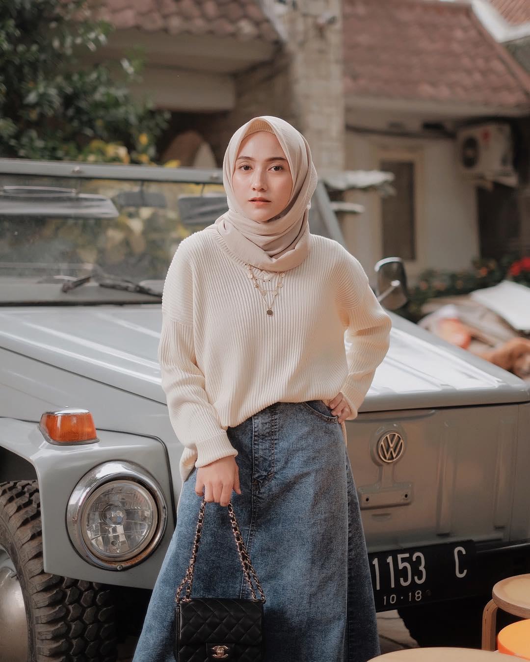 Model Baju Lebaran 2019 Bawahan Jeans