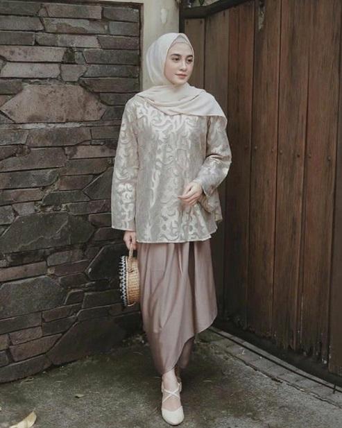 Model Kebaya Hijab Kombinasi