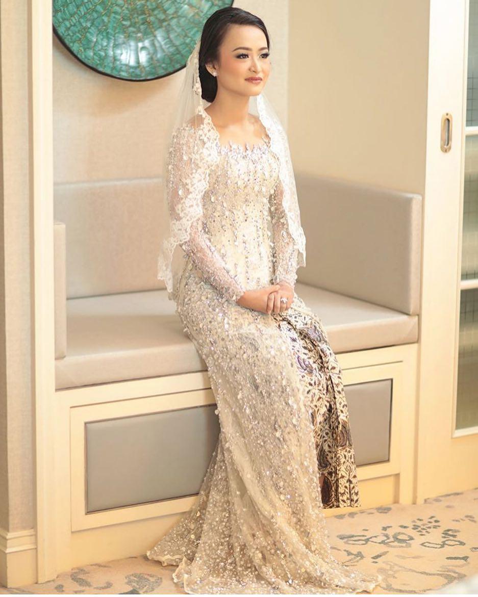 Model kebaya modern pengantin